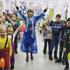 """Новогодний фестиваль """"Книжная ёлка. Найди своего героя"""". Наш веселый фоторепортаж!"""