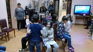 ЦБС СЗАО Д 232 08.01.2018 игра Стульчики